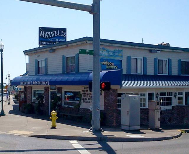 Maxwell's Restaurant & Lounge