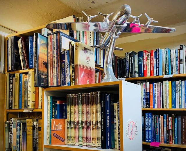 Robert's Bookshop