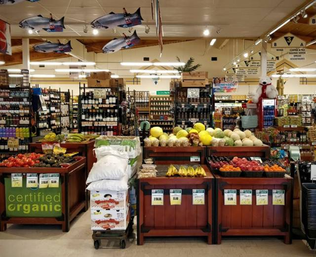 Kenny's IGA Seafood & Grocery